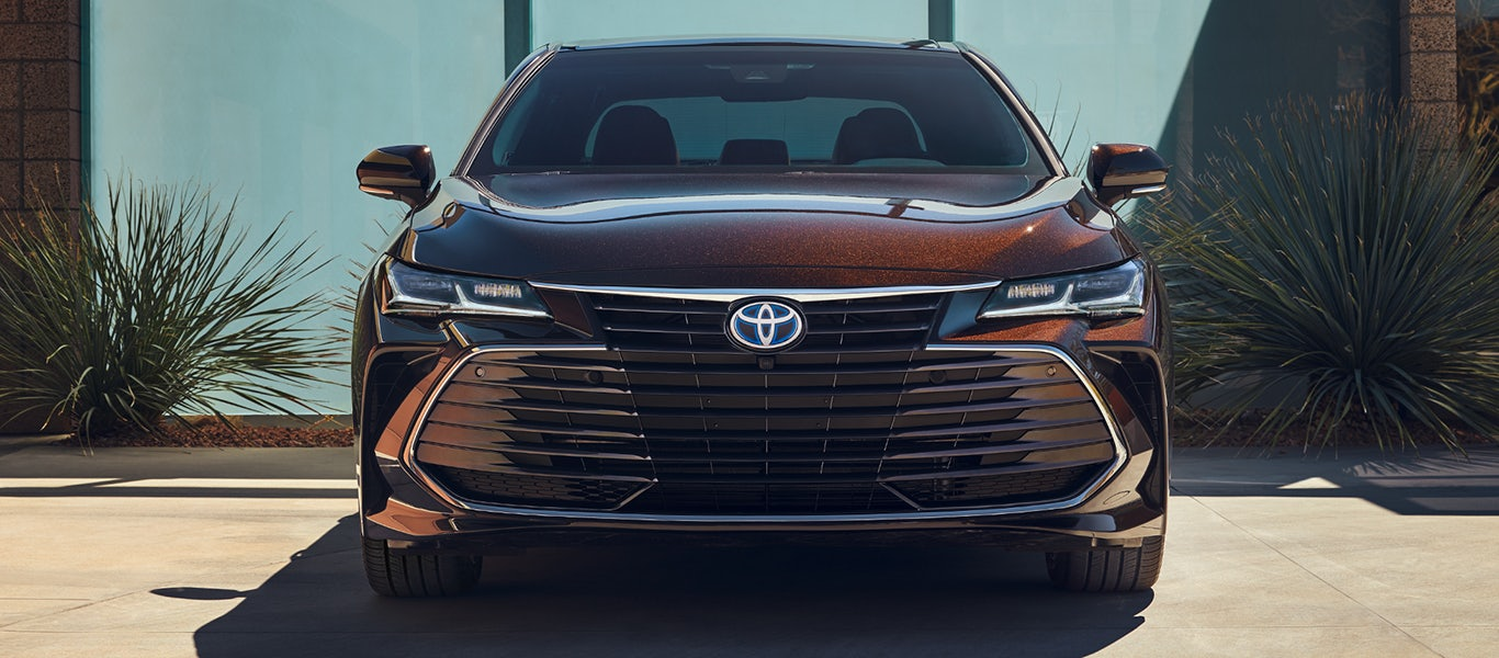 2020 Toyota Avalon Hybrid grille expanded gallery image