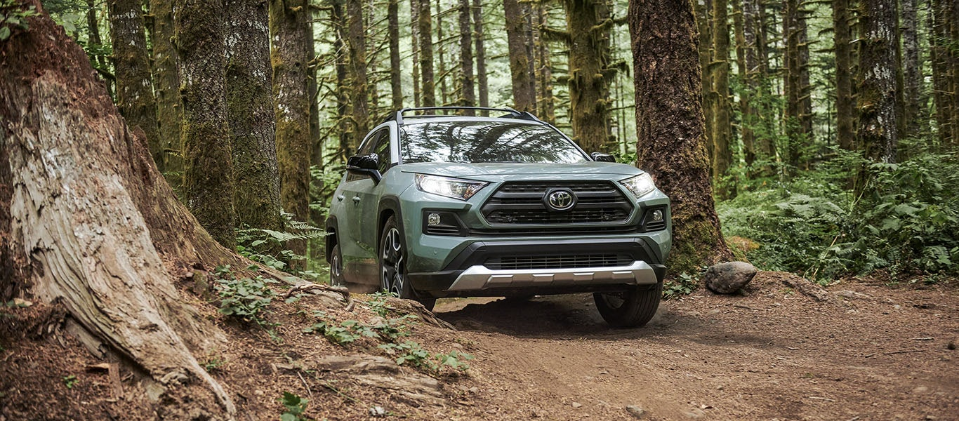 2020 Toyota RAV4 ground clearance expanded gallery image
